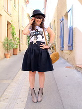 Thelittleworldoffashion Aude - Zara Skirt, By Jooy Tee Shirt, Les Petites Parisiennes Shoes, Primark Bag - Busy bird, real life