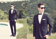 Edward Honaker - Ray Ban Sunglasses, H&M Suit, Dolce & Gabbana Shirt, The Tie Bar Boe Tiw, The Tie Bar Pocket Square, Florsheim Shoes, Bulova Watch - Prom