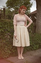 Kerry Lockwood - H&M Pale Peach Fine Knit Cardigan, Topshop Nude Body Suit, Beyond Retro Vintage Pale Yellow Gingham Full Circle Skirt, Topshop Nude Ballet Pumps, Charity Shop Vintage Woven Cream Belt, Daisy 'Trapped' Necklace - Everything is Peachy...