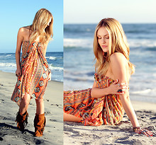 Shea Marie - Minnetonka Boots, Free People Ring, Scarf - California beach hippie