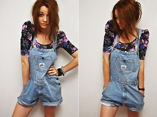 Isabel B. - Ann Christine Flower Top, 2nd Hand Shop Overalls - Stupid risks are what make life worth living !