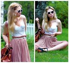 Amanda Brohman - H&M Lace Bustier, Wera Satchel, Monki Pleated Skirt, H&M Round Vintage Sunnies - We were born and raised in a summer haze