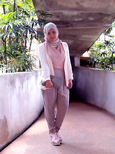 Aishah Amin. - Zahra Scarf, Chamelon Necklace, Cotton On Blazer, Topshop Tapered Pants, Nose Clutch, Wedges - Hijabi Fashion Week - Day 2