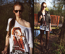 Caro X. - H&M Tshirt, H&M Leather Jacket, Ray Ban Sunglasses - Think different.