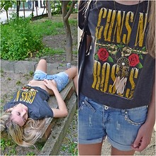 Silvia Pietramala - Undefined Guns 'N Roses Tee - There's a heaven above you, baby.