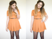 Lily Melrose - Missguided Dress, Dorothy Perkins Polka Dot Tights - Whos in control?