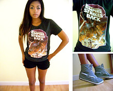 Paris Holland - H&M Star Wars Tee, Forever 21 Shorts, Urban Outfitters Gray Sneakers - An everyday casual outfit.
