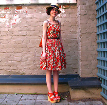 Riikka A - Vintage Dress, Topshop Shoes - Strawberry swirl