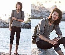 Bobby Raffin - Armani Exchange Knit Sweater, Armani Exchange Silver And Leather Bracelet, Leather Choker Necklace, Beach Sandals, Backpack, Silver Ring, Forever Dark Denim Jeans, Beaded Beach Bracelet - Meet me at the seaside.