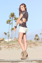 Bethany Struble - Vera Wang Diy Slit Back Tshirt, Armani Exchange Acid Wash Shorts, Steve Madden Huge Shoes - Miles