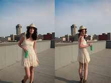 Jaclyn Stacey - Banana Republic Hat, Japan Lace Dress - Architecture & Arizona