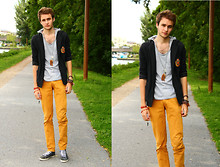 Pierre Colpart - Zara Yellow Jean, Soft Grey Blazer, Asos Grey T Shirt, Asos Necklace, Diesel Grey Shoes - Mellow Yellow !