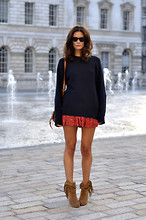 Hedvig ... - Isabel Marant Jumper, Paisley Shorts, Mango Boots, 3.1 Phillip Lim Bag, Ralph Lauren Sunnies - Catching Up