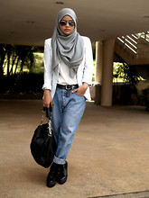 Aishah Amin. - People Blazer, My Brother's Old Jeans, Yuniqueparadise Boots - Birthday girl turns 23
