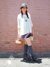 Love Token US - Love Asymmetrical Poncho Top, Cloche - Drapey poncho top really pulls the outfit together.