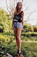 Lisa Olsson - Kan Dee Top, Levi's® Shorts, Jeffrey Campbell Shoes, Items By Johanna Arm Ring, Crochet Belt - Wild spirit