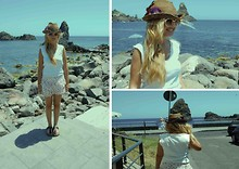 Noemie Von Mises - Zara Skirt, Vintage Sunglasses, Birkenstock - In love with my sea