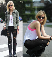 Sofie V. - Diy Shredded Jeans, H&M Bra, Persol Sunglasses - My Rock Werchter Festival look!