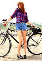 Megan S - Vintage Top, Levi's® Shorts, Steve Madden Shoes - Farmers Market