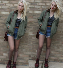 Layna Myhra - Primark Grey Tee, Levi's® Levi Shorts, Charity Shop Coat, Cherry Docs - Grinding halt