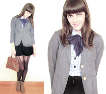 Lilian Larrañaga - Field Vintage Blazer, Piorski Top, Marisa Tights - Everyday I love you less and less