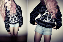 Kayla Hadlington - Diy Jumper, Topshop Shorts - DEATHLY HALLOWS