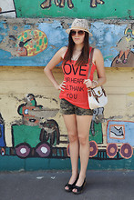 Barbora Drasnarova - Asos Hat, Gate Top, New Look Bag, Gate Shorts - Your heart will thank you