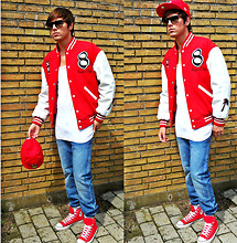 Jesper Søndergaard - Trainerspotter College Jacket, Levi's® Tanktop, Ray Ban Sunglasses, New Era Cap, Tiger Of Sweden Jeans, Converse Sneakers - COLLEGE