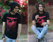 Bobby Raffin - Forever 21 Desert Cowboy Graphic Tee, Classic Beanie, H&M Favorite Jeans, Zig Zag Sandals, Hannahs ;) Nerd Specs, Thrifted My Piano Bracelet, H&M Leather Bracelet, Mexico Zig Zag Bracelet - The Height of Summer