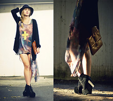 Lisa Dengler - Romwe Galaxy Dress, Diy Green Cross, H&M Black Cardigan, Jeffrey Campbell Litas - Follow the light