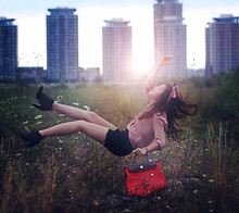 Any Trinh -  - Flying with lookbook