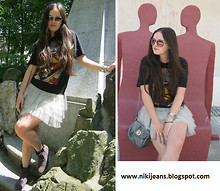 Nikol S - Reserved T Shir, Frontrowshop Skirt - Superman =)