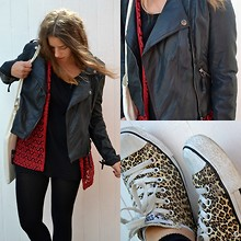 MELLi S - Converse Leo Printed, Select Jacket, Secondhand Cardigan/Jacket, Notting Hill As Well Bag - : who gossips with you will gossip of you.
