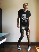 Fredric Johansson - By The R Big Studded Shades, By The R Tee, By The R Ripped Golden Jeans, By The R Snake Skin Shoes - Skeletor