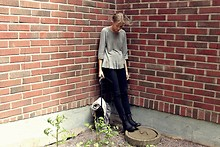 Hedvig W - H&M Grey Knitted Sweater, Wera Boots, Ester Elenora Scarf, My Mum's Old One Bag - Vox populi vox dei