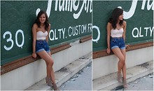 Alyssa C. - Urban Outfitters Floral Corset Top, Zara Brown Belt, Wrangler Denim Shorts, Forever 21 Heeled Booties - Framed