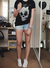 S L - 2011 Kings Of Leon Skull Tour Shirt, Vintage Style Denim Shorts, Jewellery From Corfu, Converse - KOL + converse