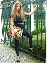 Lara Rose Roskam - Coverbee Laptop Sleeve - Do you like Leopard? Yes, I do.
