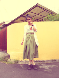 Sy. Muzdalifah - Moms Cream Vest, Vintage Polka Dots Skirt, Marie Claire Brown Shoes - Miss A - Goodbye Baby
