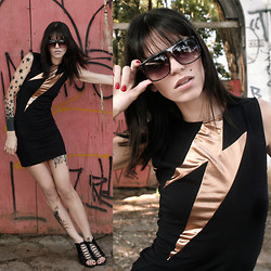 Angelica Moller - Santa Lupa Sunglasses, British Made Dress - Numb lips