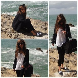 Clara Richet - Zara White Tee, American Vintage Whool Cardigan, Home Made Necklace, Ray Ban Rayban Sunglasses - Come what may