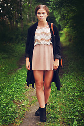 Pauline A - Zara Skirt, Vagabond Boots, Monki Coat - Summer-almost-autumn-outfit.