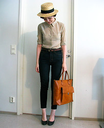Riikka A - Vintage Bag, Antipodium Shirt, Mtwtfss Jeans - Last Days of Summer