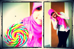 Nee-chan Annisa Yuwanda - Pink Hijab, B Colorful Plaid Shirt, Crayon Love T Shirt, Black Jeans - Lolli lolli oh lollipop!