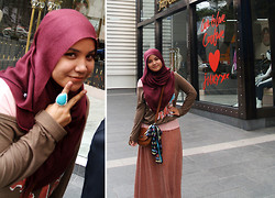 Aishah Amin. - Zara Maxi Skirt, Xian Silk Scarf, Primark Sling Bag, Forever 21 Ring - The Boho in Me.