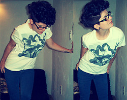 Lindsay Ashabran - Victoria Glasses, Ripple Function Bettie Page T Shirt - I'LL FORGIVE AND FORGET BEFORE I'M PARALYZED