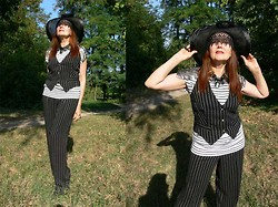 Olga Rink - H&M Necklace, Made Myself Vest, Made Myself Pants, Vintage Hat - I remember the sun of Spain