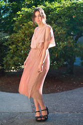 Kelly M. - H&M Pleated Dress, Target Brown Clogs - Pink pleats and summer clogs