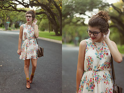 Leah G - H&M Floral Dress, Thrifted Brown Lace Up Boots, Paul Smith Prescription Glasses - Flora
