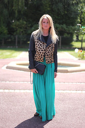 EMILIE HIGLE - Asos Leopard Leather Jacket, Opullence Skirt, Chanel Bag, H&M Tee, Leopard Flats - A TOUCH OF LEOPARD